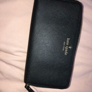 [AUTHENTIC] Kate spade wristlet